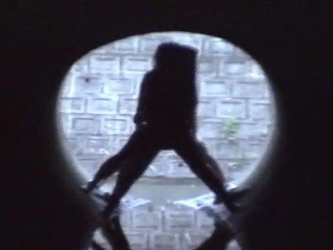 警察沙汰のAV撮影!ボディコンギャルが下水道で命がけのガチハメファック!