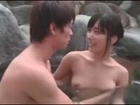 【由愛可奈】妹が可愛すぎるから露天風呂でハメまくった