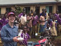 生まれて初めて飛行ドローンをみたアフリカの子供たちのリアクションをご覧ください