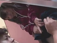 公衆トイレで処女を奪われる部活帰りのツインテール女子校生