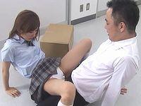 学校の女子生徒とぶつかった拍子に偶然チ●コがマ●コに入ってしまったでござるwww