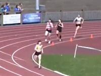怒涛の追い上げがスゴい!女子大生の1600メートルリレー
