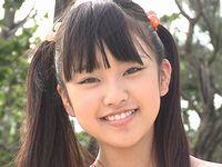 中学1年生12歳!ジュニアアイドル少女のカラダを接写アングルでくまなく観察してみよう