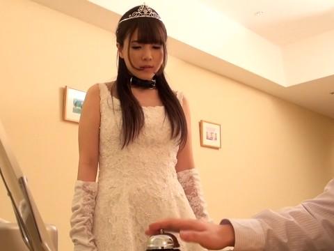 催眠調教されてしまったM女がウェディングドレス姿でトランスSEX!