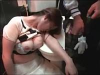 漫画喫茶のトイレに尻丸出しの泥酔爆乳女が落ちてたからイタズラしてレイプ