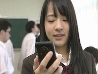 時間停止アプリを手に入れた女子校生がクラスの男子生徒をヤリたい放題に逆レイプ!