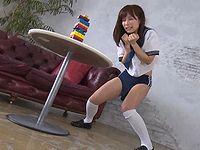 AV女優 小島みなみがバイブを挿入したままジェンガに挑戦!崩したら即ハメ罰ゲーム!