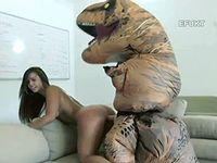 人間とティラノサウルスがSEXしてるポルノビデオがこちらwww