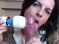 電マと舌技で男性をイカせる外国人美熟女