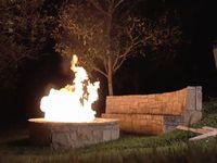 焚き火に1000本のライターをまとめてぶっこんだ結果www