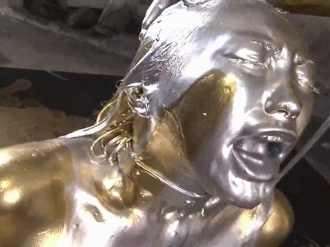 銀粉奴隷のM女 神納花が全身シルバーになってフェラチオ