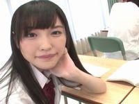 学校で隣の席のド痴女な美少女JKが手コキでイタズラしてくるんです...