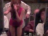 夜行バスで明日花キララが素人男性をガチ誘惑!こっそりとSEXしよう!
