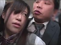 満員電車で女子校生に痴漢と間違えられた!?人生詰んだからレイプしてやるwwww