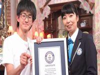 日本人男性が1分間に296回の指パッチンをしてギネス世界記録を獲得!