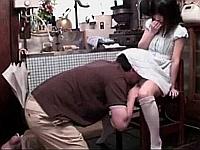 少女のスカートに頭突っ込んでイタズラした後にフェラさせる背徳感