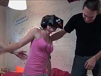 初めての『VR』体験!面白リアクション&失敗!トップ10!