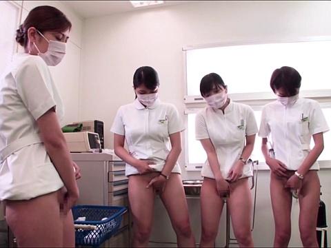 看護師たちが下半身裸で新しい潤滑剤のテスト!性交でもテストしちゃう!