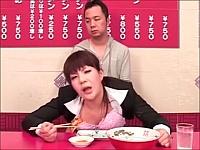 【食ザー】ラーメンセットに次々と発射されてそれを食べながら犯されるOL