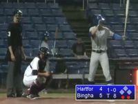 なぜバットを振ったのか...? 野球史で最悪の三振といわれた映像がこちら...