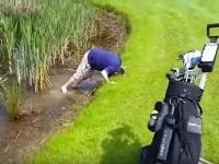 1球のゴルフボールをケチってもっと酷い事になってしまったゴルファー