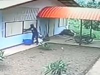 泥棒男が下見をせずに家に侵入した結果......