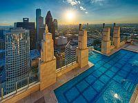 地上150M?!米ヒューストンの高層マンションにあるプールが絶景過ぎてヤバいwww