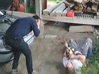 チェーンソーが身体に刺さるドッキリを友人に披露した結果驚きの結末にwww