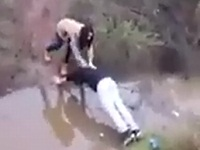 水があって渡れない彼女の為に橋になった結果......