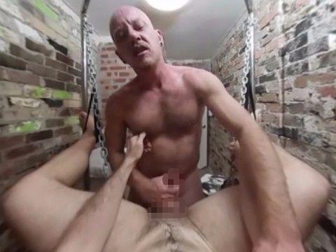 【ゲイVR】全裸で接客してくれる、裏メニュー付き剃毛メンズエステに潜入!