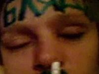 泥酔して眠っている間にイタズラされ恥ずかしい姿を撮られるお姉さん