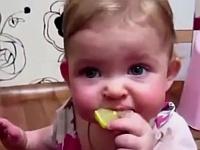 レモンを初めて食べた時の赤ちゃんの反応まとめ