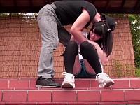 公園にいるツインテール少女にイタズラからの中出しレイプするオッサン