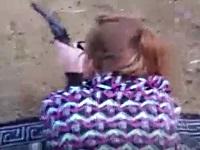銃で的をパンパン撃ちながらバックからパンパンハメてみた