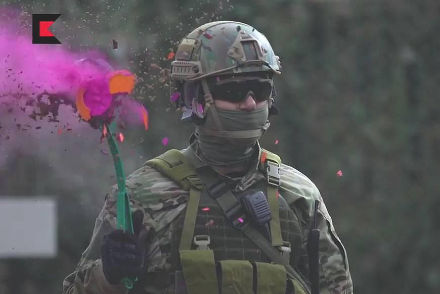 【おそロシア】カラシニコフ社が制作した銃器デモンストレーション動画が危険すぎる件についてwww