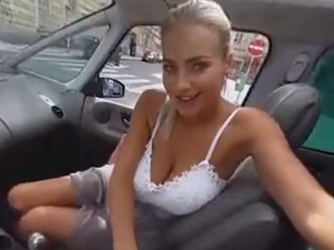【エロVR】ドライブ中にフェラで誘ってくる巨乳ブロンド美女
