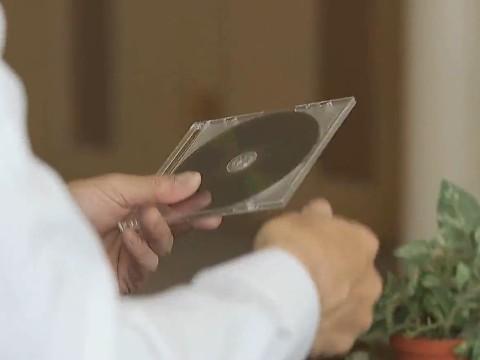 ある日突然妻が失踪!夫の元へ送られてきたDVDは寝取られた妻からのビデオレターだった......