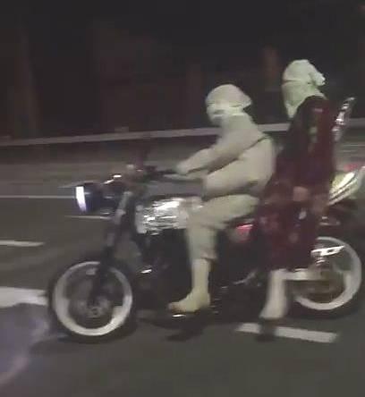 交差点で迷惑行為中に事故った暴走族がマヌケすぎるwww