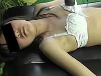 拘束された女子中●生が股間に電マを当て続けられている映像