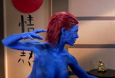 【X-MEN】青肌のミスティークがパロディポルノで3Pファック!