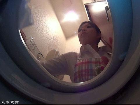家政婦さんがトイレ掃除の後でウンチしてる所を隠し撮り