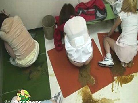集団食中毒を起こしたチアリーディング部の部室が下痢糞まみれの大惨事に...!