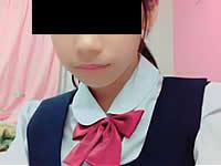 女子中学生がスティックのりでオナニーしている動画が流出
