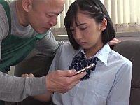 「この毛が邪魔だなぁ」バイト先の変態店長に脅されて剃毛レ●プされる美少女JK