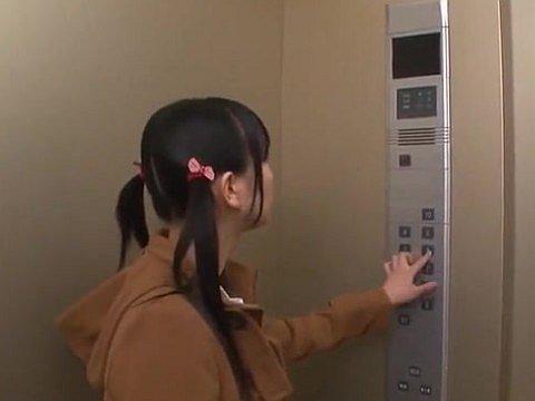 エレベーター停止で妹EDフラグ