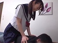 父の日のマッサージサービスをしてくれた愛娘にお礼の膣内射精!