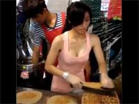 台湾とタイの屋台の女性店員さんがえちえちすぎる...