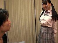 制服でエッチしてくれるデリヘルを頼んだら学生時代に好きだった女の子が現れた!