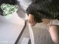 【盗撮】美形の女子がトイレでガチオナ!【無修正】