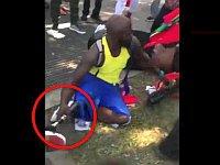義足の黒人男性がブチ切れ!まさかの最終兵器を使ってしまうバトル勃発www